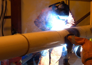 SC-300_on pipe being welded